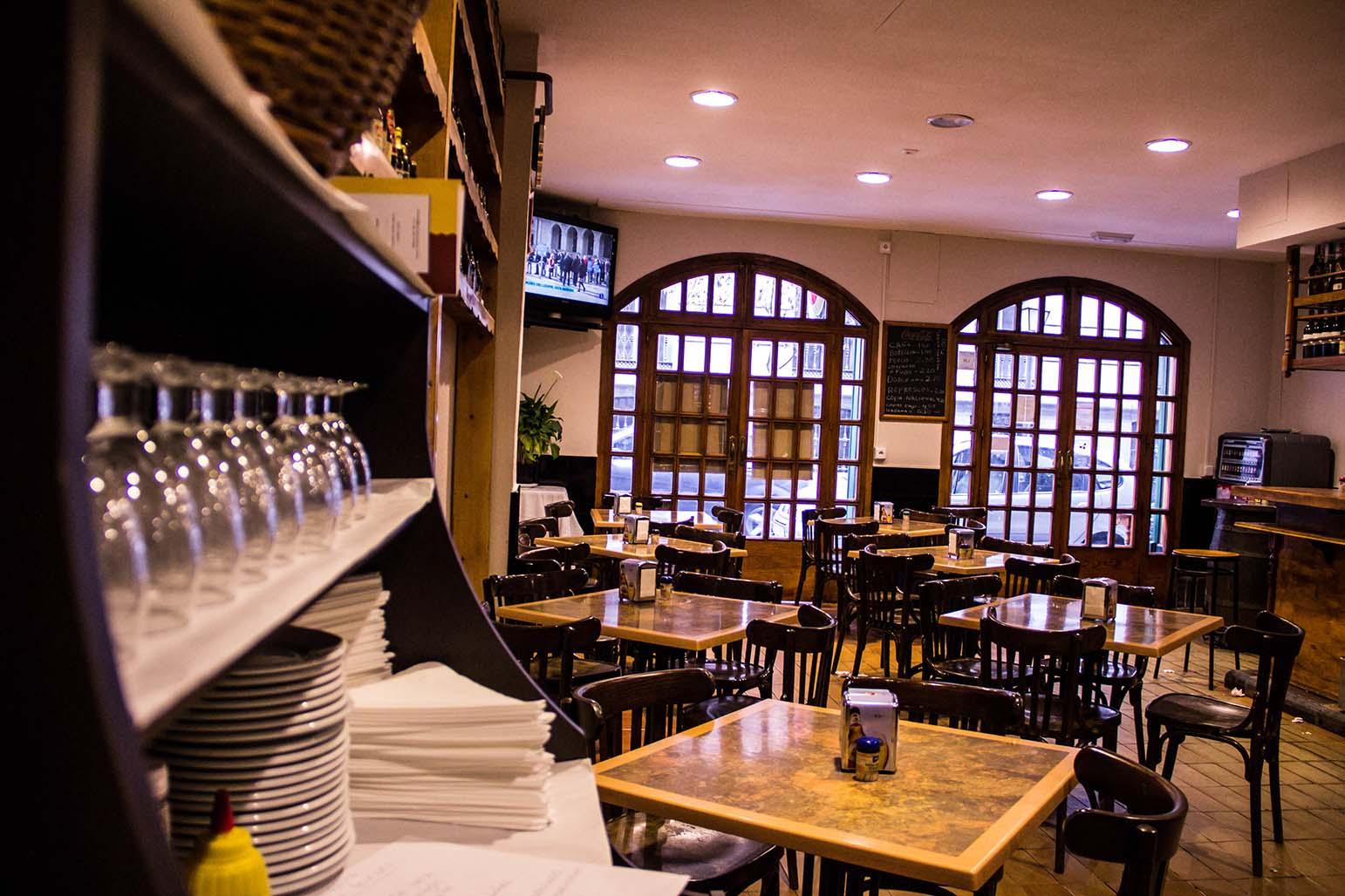 Cervecer a churruca el mejor bar de tapas en madrid centro - Decoraciones de bares ...